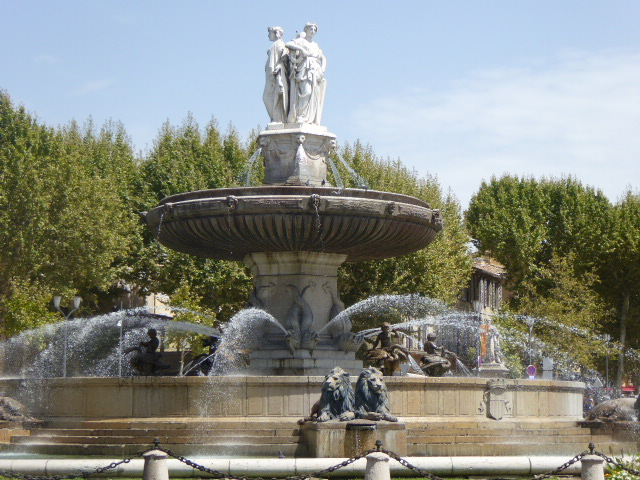 Aix Rotonde fountain