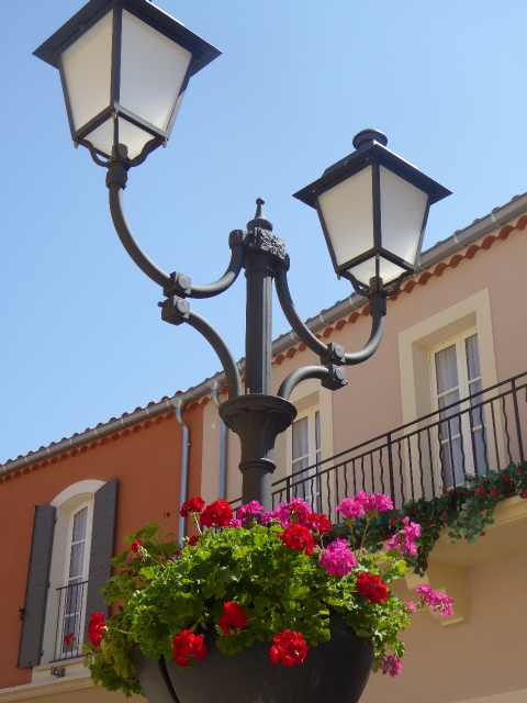 Miramas street lamp