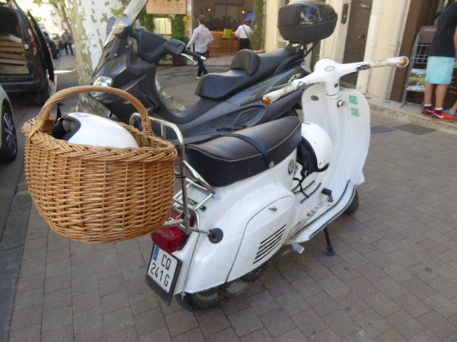 moto with basket