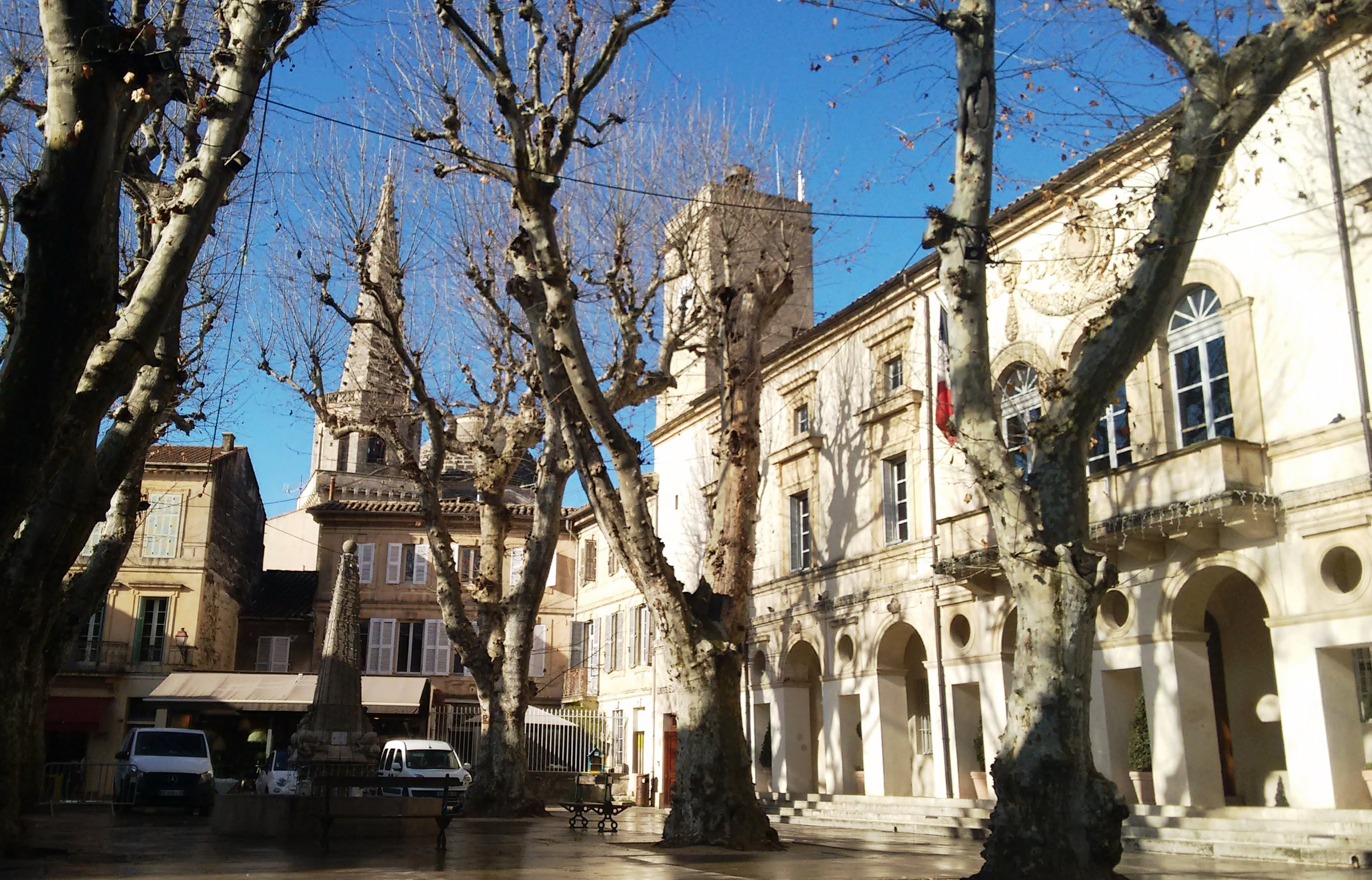 Hotel de Ville morning in Jan 2020